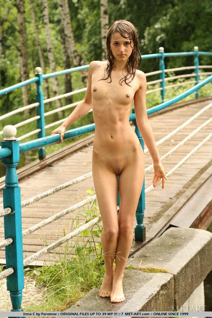 create d girl naked